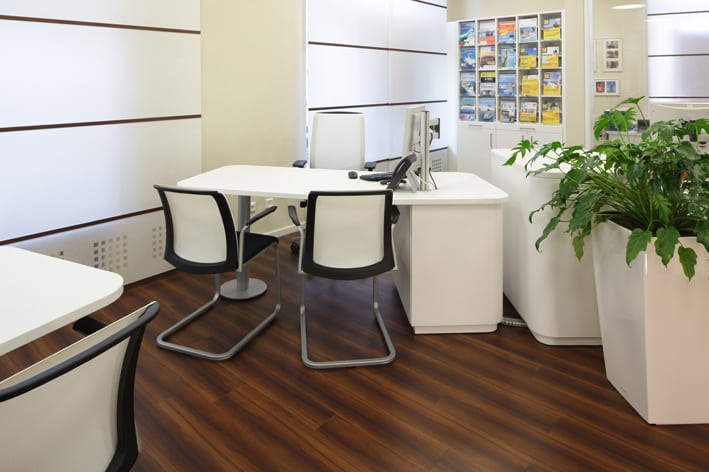 Separate Arbeitsplätze Für intensive Planungsgespräche gibt es Rückzugsmöglichkeiten und ruhige Ecken.